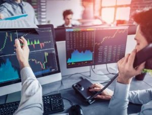 traders working in investment bank
